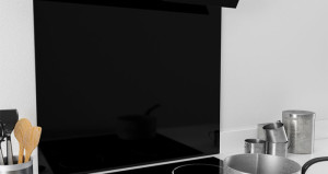 app-black-glass-splashback-ART29702